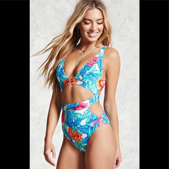 e9c468f091 Forever 21 Other - Forever 21 Women's Blue Tropical Swimsuit